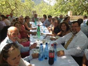 «Η Παγκαλαβρυτινή Ένωση έδωσε παρών με την παρουσία σχεδόν όλων των μελών του Διοικητικού της Συμβουλίου και του Επιτίμου προέδρου κ Γεωργίου Κοσμά»